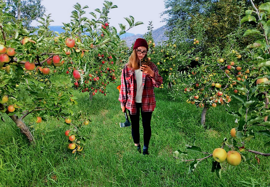 apple-orchard-selfie